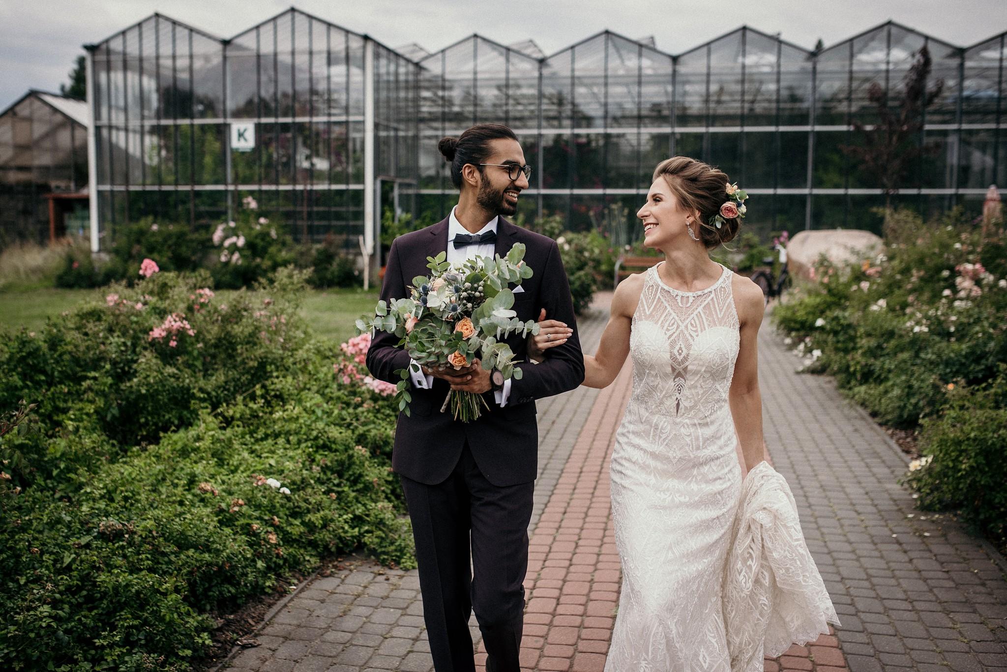 sesja ślubna w szklarni PAN