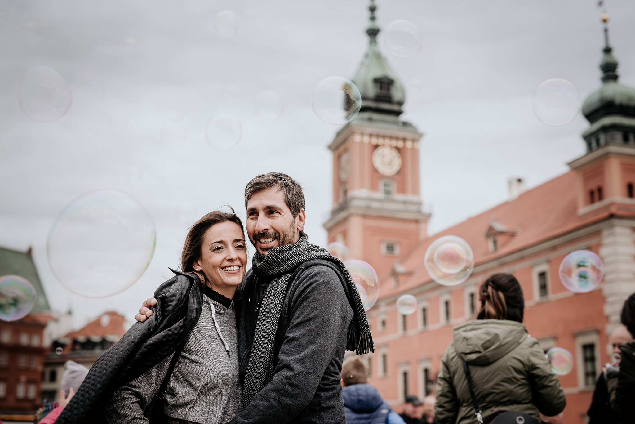 photographer warsaw old town couple shoot