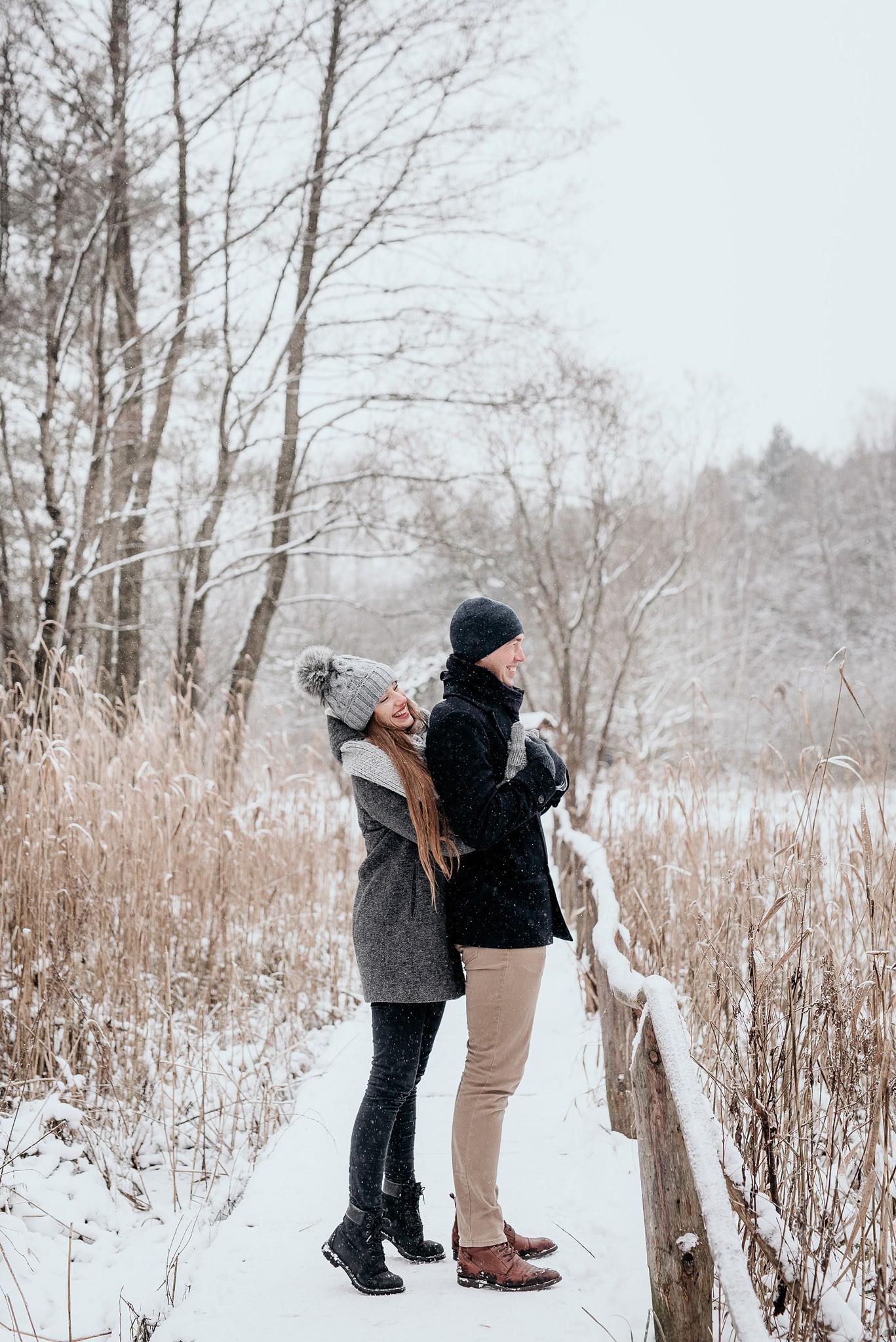 sesja zdjęciowa ze śniegiem