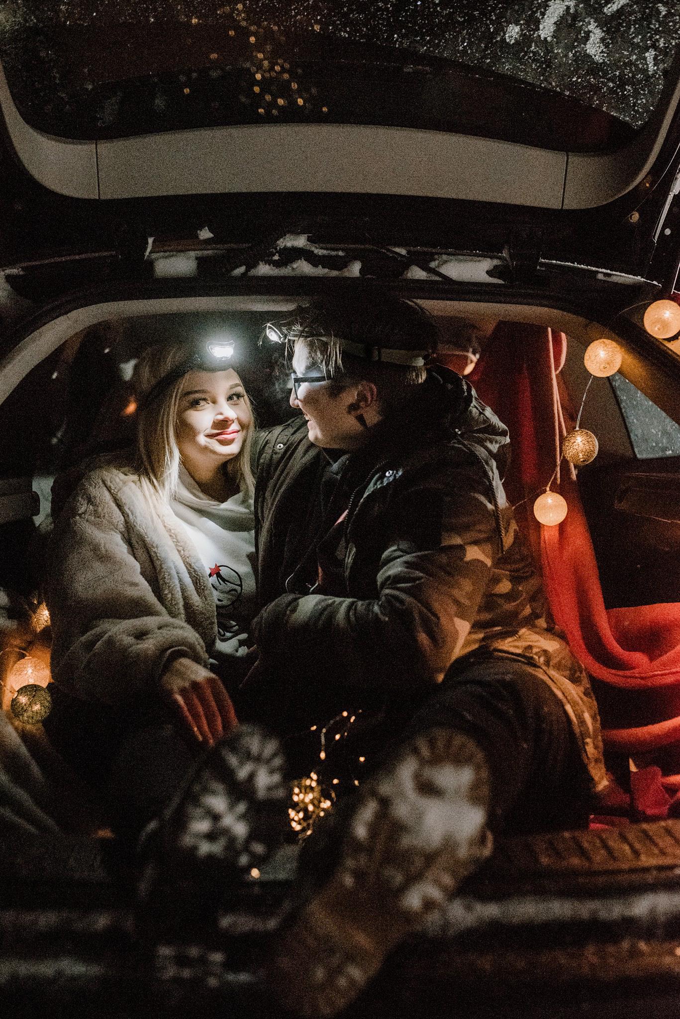 sesja pary w samochodzie