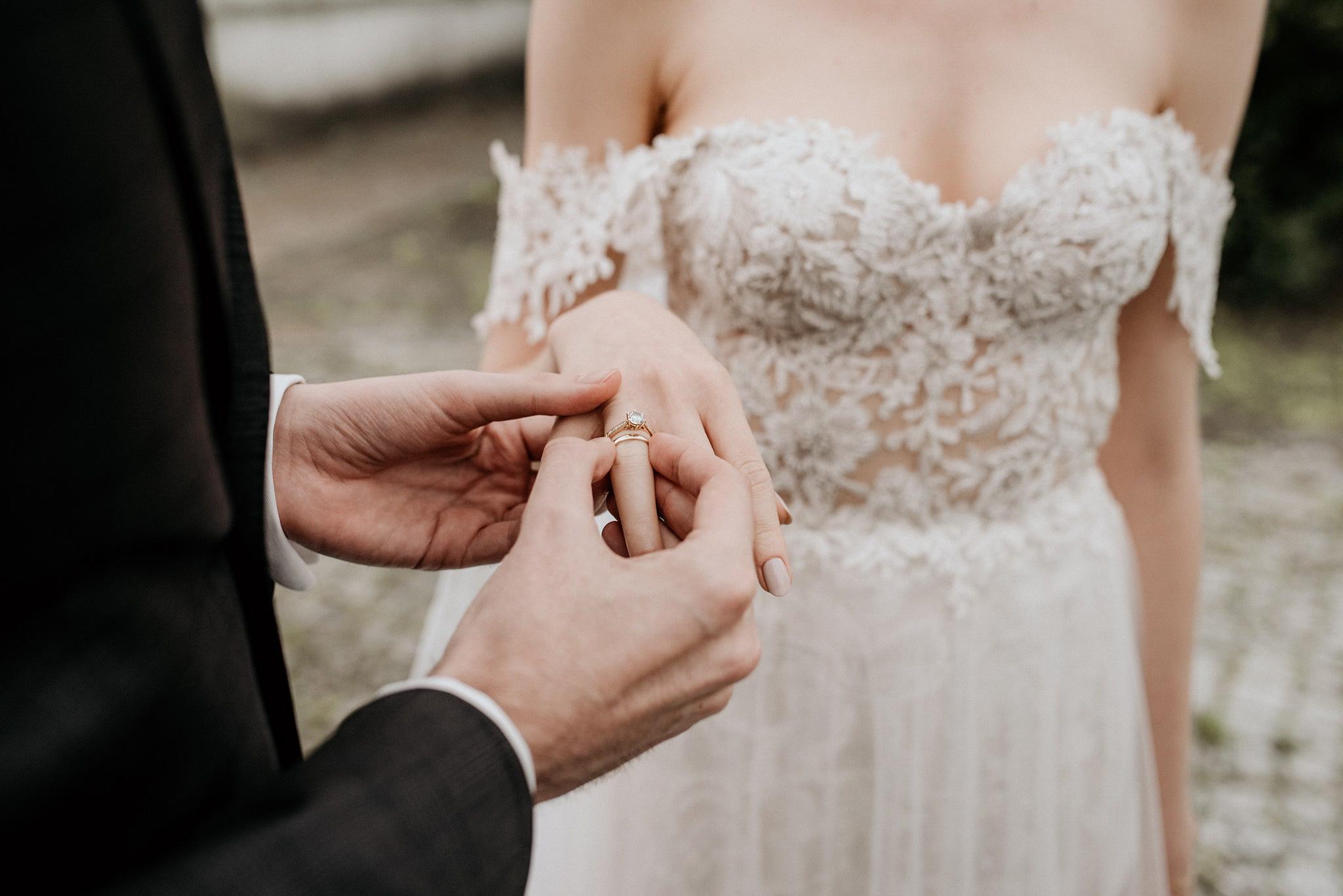 jak wybrać obrączkę na ślub