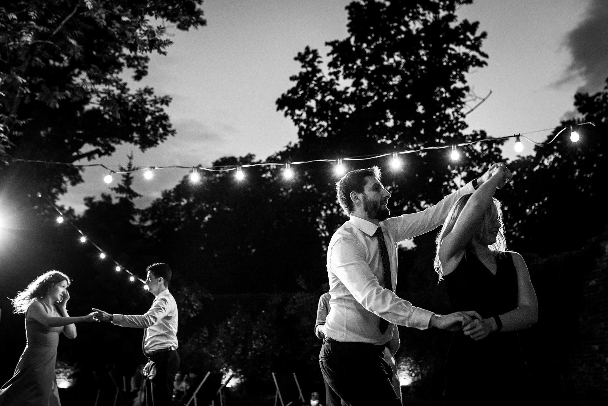 Spokojna 15 wesele w plenerze warszawa